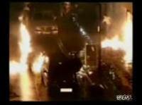 監視カメラは見た!バイク男が放火する瞬間!