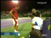 テニスの試合で選手が流血する珍事件 その気持ちわかるんだけど・・・。