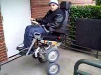 セグウェイの技術を応用した最新車椅子iBOTが凄い