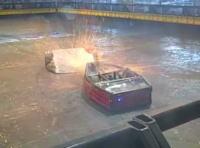 海外のロボット対戦は火花が散るほど激しい!